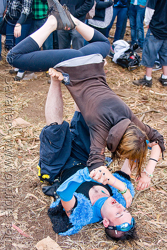 acro yoga - renegade free rave party in golden gate park (san francisco), acro yoga, apollo solare, bronwynn, man, party, raver, woman