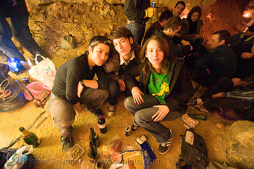 alyssa, gaëlle and coraline - catacombes de paris - catacombs of paris (off-limit area), alyssa, candles, catacombs of paris, cataphile, cave, gaëlle, girls, new year's eve 2008, underground quarry, women
