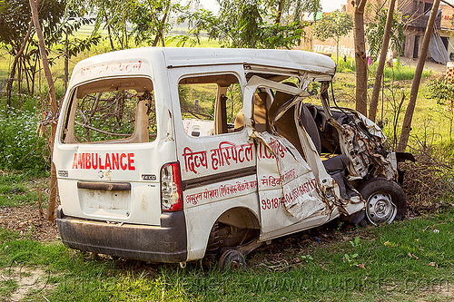 ambulance crash - accident (india), ambulance, car accident, car crash, collision, india, mini-van, road crash, traffic accident, traffic crash, wreck