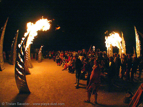 angel of the apocalypse by flaming lotus girls - burning-man 2005, art, burning man, fire, flames, night