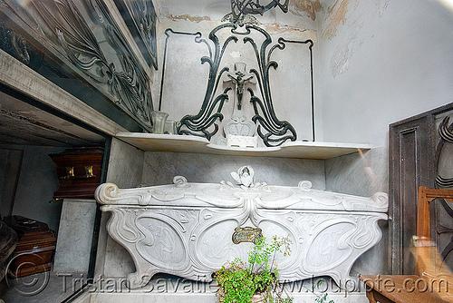 art nouveau sarcophagus in crypt - recoleta cemetery (buenos aires), art nouveau, buenos aires, crypt, grave, graveyard, jugendstil, recoleta cemetery, sarcophagus, tomb, vault