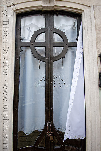 art nouveau tomb door - celtic cross - recoleta cemetery (buenos aires), argentina, art nouveau, buenos aires, celtic cross, door, grave, graveyard, jugendstil, recoleta cemetery, tomb