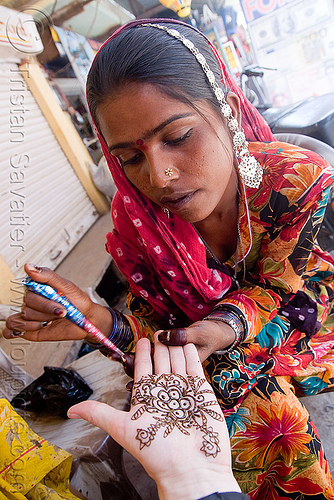 art of mehndi - henna temporary tattoo (india), body art, hand palm, henna designs, henna tattoo, mehandi, mehndi designs, pattern, people, pushkar, saree, sari, temporary tattoo, woman