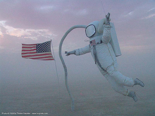 astronaut - moonwalk - moon - burning-man-2004, american flag, art installation, astronaut, burning man, jonathan bickart, moon, moonwalk, us flag