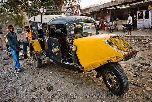 auto rickshaw taxi - bajaj tempo hanseat (india), auto rickshaw, autorick, bajaj, hanseat, rick, road, taxi, tempo, three wheeler, tricycle, trishaw, wallah