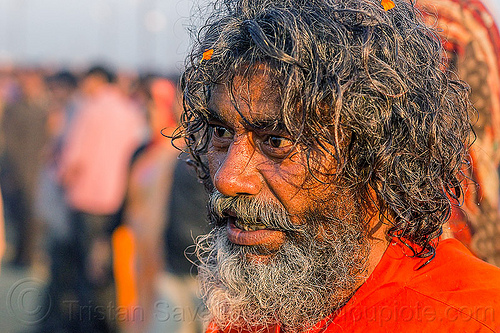 baba returning from holy bath - kumbh mela (india), baba, beard, hindu pilgrimage, hinduism, india, kumbh maha snan, maha kumbh mela, man, mauni amavasya, sadhu