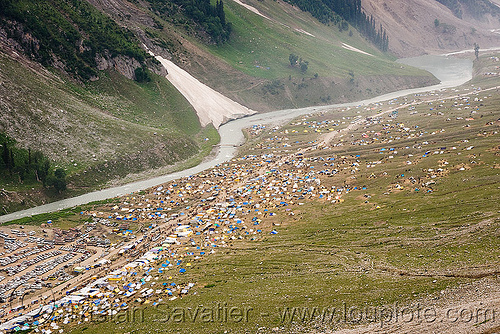 baltal tent village - amarnath yatra (pilgrimage), dras valley, drass valley, kashmir, mountain trail, mountains, pilgrims, river, river bed, snow, trekking, yatris, अमरनाथ गुफा