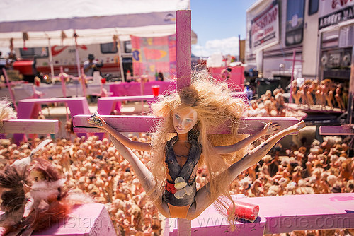 barbie doll leg spread crucifixion - barbie death camp - burning man 2015, barbie death camp, barbie dolls, blasphemous, burning man, cross, crucified, crucifixion, leg splits, leg spread