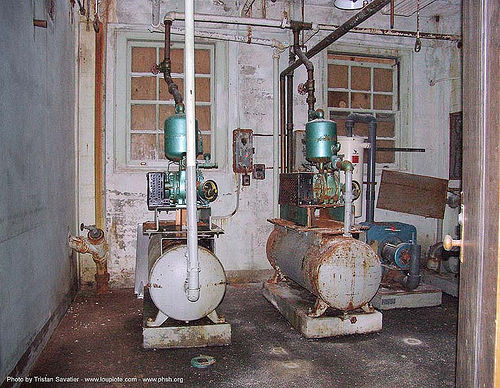 basement - pumps - abandoned hospital (presidio, san francisco) - phsh, abandoned building, abandoned hospital, decay, graffiti, presidio hospital, presidio landmark apartments, trespassing