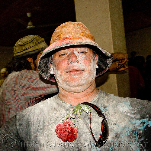 bed time! - carnaval de humahuaca (argentina), andean carnival, drunk, flower, hat, man, noroeste argentino, people, quebrada de humahuaca, sunglasses, talk powder
