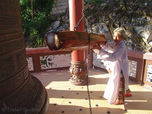 bell ringing - buddhist monk (nha trang) - vietnam, monastery, people, temple
