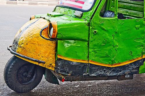 bemo in jakarta - daihatsu midget three-wheeler, autorickshaw, bemo, daihatsu midget, jakarta, java, midget i, motor becak front, rickshaw, street, three wheeler, wheel