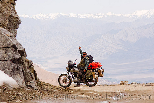 ben on his motorcycle - khardungla pass - ladakh (india), 350cc, ben, khardung la pass, ladakh, motorbike touring, motorcycle touring, mountain pass, mountains, road, royal enfield bullet