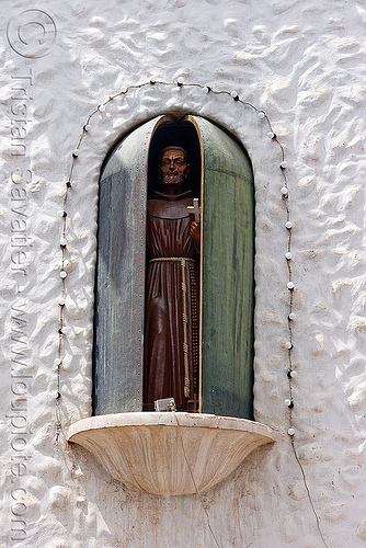 bendición de san francisco solano - humahuaca (argentina) - 4 of 23, animated, bendición, benediction, copper, cross, doors, missionary, monk, noon, noroeste argentino, quebrada de humahuaca, religion, saint, san francisco solano, sculpture, statue