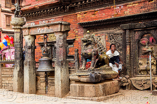 bhairavnath temple bell  - tachupal tole - bhaktapur (nepal), bell, bhairavnath temple, bhaktapur, brass, hindu temple, hinduism, lion, sculpture, sitting, tachupal tole, woman