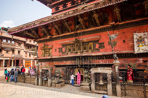 bhairavnath temple - tachupal tole - bhaktapur (nepal), bells, bhairavnath temple, bhaktapur, hindu temple, hinduism, people, tachupal tole