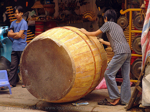 big drum - vietnam, big drum, giant drum, hanoi, men, music, musical instrument, percussion, shop, store, street