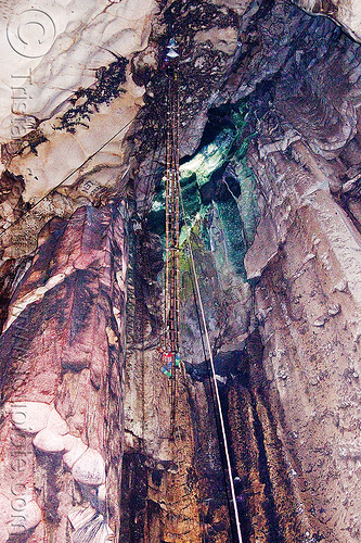 bird's nests collectors on bamboo ladder in madai cave - gua madai (borneo), bamboo ladder, bats, bird's nest, caving, flash, gua madai, ida'an, idahan, madai caves, natural cave, rattan ladder, ropes, spelunking