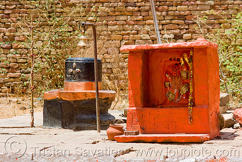 black lingam and shrine - fort hill - gwalior (india), bell, eyes, hinduism, linga, shiva lingam, three