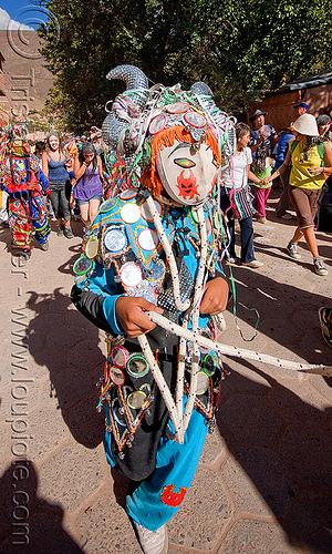 blue diablo carnavalero, andean carnival, careta de diablo, confettis, costume, diablo carnavalero, diablo de carnaval, folklore, horns, indigenous culture, man, mask, mirrors, noroeste argentino, quebrada de humahuaca, quechua culture, serpentine throws, tilcara, tribal