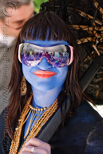 blue face paint - woman - sunglasses, blue color, face painting, facepaint, festival, how weird festival, mirror sunglasses, people