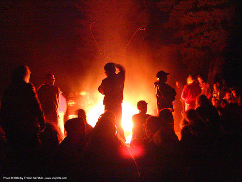 bonfire - rainbow gathering - hippie, hippie, rainbow family, rainbow gathering