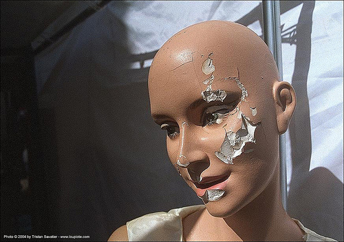 broken face - store dummy - bald head, dummy head, mannequin