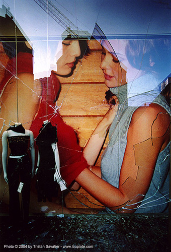 broken window (berlin), broken glass, dummys, girls, mannequins, shop window, two, women