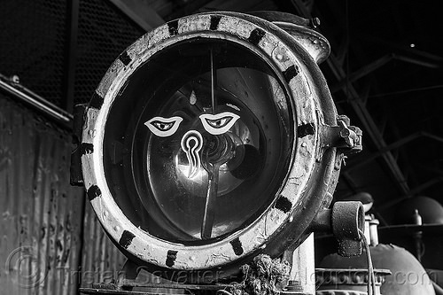 buddha eyes on headlight of steam locomotive - darjeeling (india), 802 victor, buddha eyes, buddhism, darjeeling himalayan railway, darjeeling toy train, headlight, narrow gauge, railroad, steam engine, steam locomotive, steam train engine, wisdom eyes