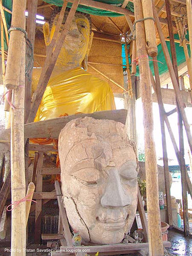 พระพุทธรูป - buddha head in temple ruins - thailand, buddha image, buddha statue, buddhism, buddhist temple, chiang mai, head, ruins, ประเทศไทย, พระพุทธรูป, เชียงใหม่