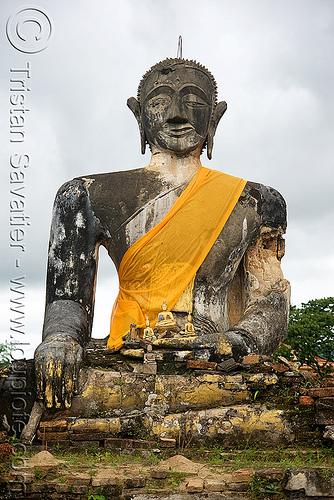 buddha statue in ruin of wat phia wat temple destroyed in the war - muang khoun (laos), buddha image, buddha statue, buddhism, cross-legged, laos, muang khoun, ruins, sculpture, wat phia wat