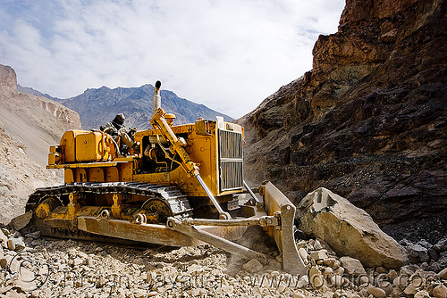 bulldozer clearing boulders - road construction - ladakh (india), at work, bd80, beml, bulldozer, groundwork, india, ladakh, mountains, road construction, roadworks, rubble, working