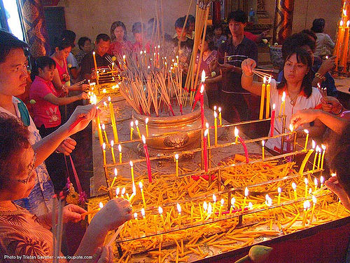 สุโขทัย - candle offerings in temple - sukhothai - thailand, candles, chinese, offerings, sukhothai, thailand, wat, สุโขทัย
