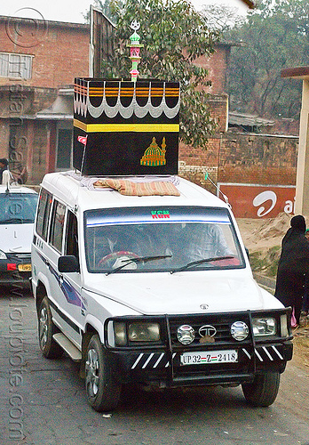 car decorated with mecca's al kaaba - eid-milad-un-nabi muslim festival (india), al ka'ba, al kaaba, decorated car, eid-e-milad-un-nabi, eid-e-milād-un-nabī, eid-milad-un-nabi, islam, jeep, mawlid, mecca, milad un-nabi, milad-an-nabi, milād an-nabī, milād un-nabī, minaret, mohammed's birthday, muhammad's birthday, muslim festival, nabi day, prophet's birthday, religion, street, suv, tata motors, عید میلاد النبی, ईद मिलाद नबी