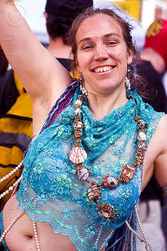 carolina, carolina, how weird festival, necklace, woman