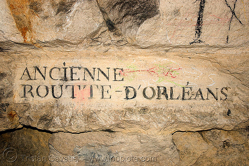 carved plate indicating road name - catacombes de paris - catacombs of paris (off-limit area), ancienne, catacombs of paris, cave, d'orleans, d'orléans, new year's eve 2008, plate, routte, sign, underground quarry