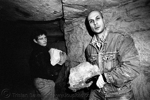catacombes de paris - catacombs of paris (off-limit area) - breaking walls - calamity & olrik, catacombs of paris, cataphile, cave, clandestines, illegal, olrik, p3200tmz, tmax, tunnel, underground quarry