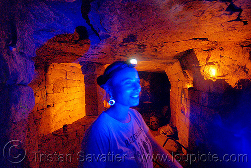 catacombes de paris - catacombs of paris (off-limit area) - fabienne and mixed lights - blue LED light, bar des rats, blue light, catacombs of paris, cave, fabienne, gallery, glowing, headlamp, headlight, led lights, petzl, tikka, trespassing, tunnel, underground quarry