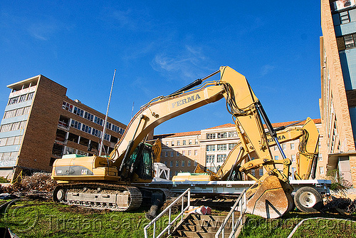caterpillar CAT 330D excavator - building demolition, abandoned building, abandoned hospital, building demolition, cat 330d, caterpillar 330d, caterpillar excavator, excavatorupdated, presidio hospital, presidio landmark apartments