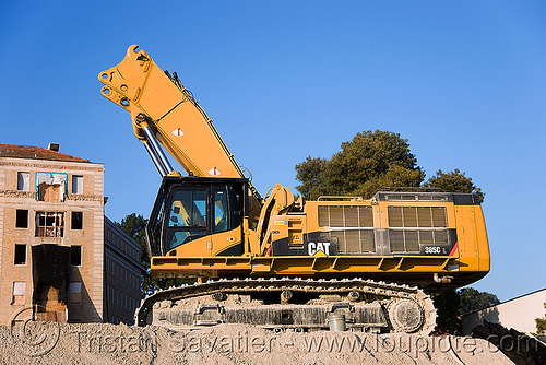 caterpillar CAT 385C excavator, abandoned building, abandoned hospital, building demolition, cat 385c, caterpillar 385c, caterpillar excavator, demolition excavator, heavy equipment, high reach demolition, hydraulic, long reach demolition, machinery, presidio hospital, presidio landmark apartments, ultra high demolition
