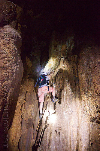 caving in mulu - racer cave (borneo), caver, caving, gunung mulu national park, knotted rope, natural cave, racer cave, spelunker, spelunking, wall
