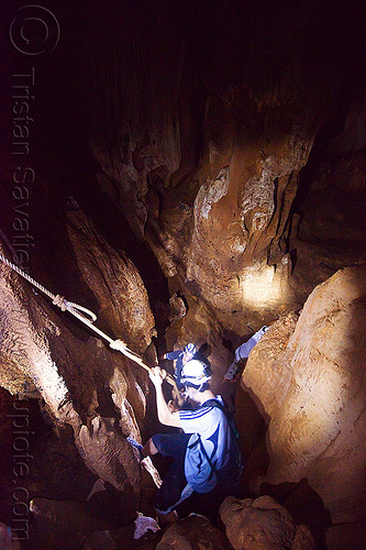 caving in mulu - racer cave (borneo), cavers, caving, gunung mulu national park, knotted rope, natural cave, racer cave, spelunkers, spelunking