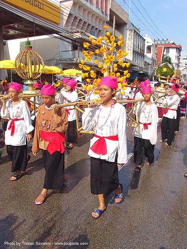 เชียงใหม่ - chiang mai - สงกรานต์ - songkran festival (thai new year) - thailand, chiang mai, offering, songkran, street, thai new year, water festival, ประเทศไทย, สงกรานต์, เชียงใหม่