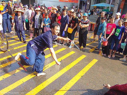 เชียงใหม่ - chiang mai - สงกรานต์ - songkran festival (thai new year) - thailand, chiang mai, crowd, songkran, street, sword dancer, swords, thai new year, water festival, ประเทศไทย, สงกรานต์, เชียงใหม่