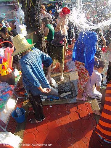 เชียงใหม่ - chiang mai - สงกรานต์ - songkran festival (thai new year) - thailand, people, soaked, water, water festival, wet, ประเทศไทย, สงกรานต์, เชียงใหม่