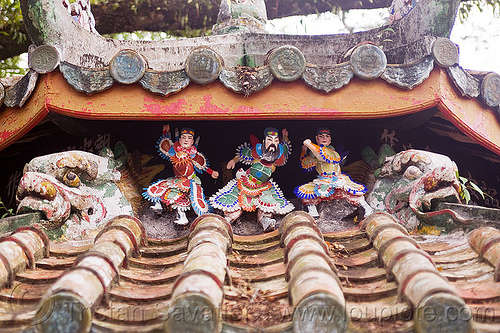 chinese roof with figurines, chinese roof, figurines, kuching