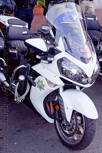CHP kawasaki concours 14 motorcycle, california highway patrol, chp, flex cuffs, kawasaki concours 14 abs, law enforcement, motor cop, motor officer, motorcycle police, parked, police baton, zip-ties