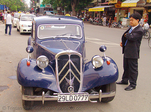 "citroën ""traction avant"" - vietnam, antique, automobile, citroen, classic car, hanoi, historical, traction avant, vintage"