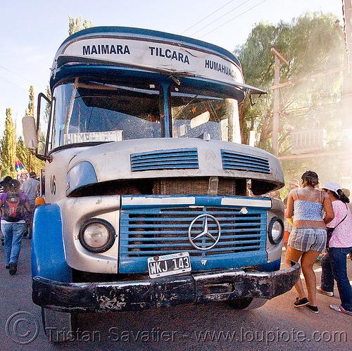 classic mercedes-benz bus (argentina), andean carnival, autobus, carnaval, classic car, front, grid, hood, humahuaca, local bus, maimara, mercedes benz, noroeste argentino, people, public transportation, quebrada de humahuaca, tilcara