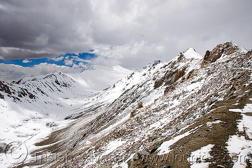 close from the top - khardungla pass - ladakh (india), india, khardung la pass, ladakh, mountain pass, mountains, snow